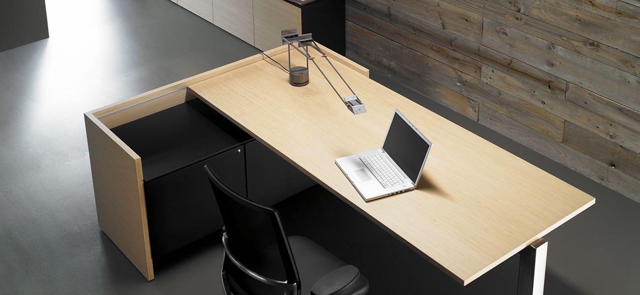 quorum , mesa ,oficinas ,mobiliario