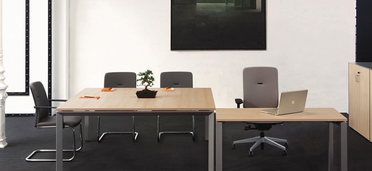 tayes, mesa ,oficinas ,mobiliario